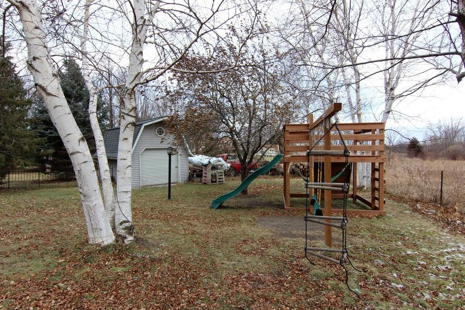 410 Hidden Acres Drive,Pennock,5 Bedrooms Bedrooms,2 BathroomsBathrooms,Single Family,Hidden Acres Drive,6029272