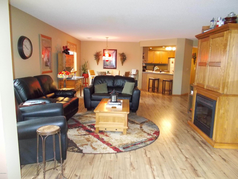 520 5th Street,Willmar,2 Bedrooms Bedrooms,2 BathroomsBathrooms,Single Family,5th Street,6030239