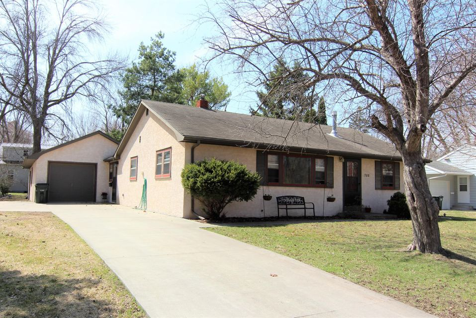 708 Bonham Boulevard,Willmar,3 Bedrooms Bedrooms,1 BathroomBathrooms,Single Family,Bonham Boulevard,6030437