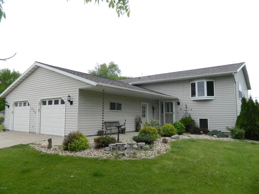 650 Montana Avenue,Benson,4 Bedrooms Bedrooms,3 BathroomsBathrooms,Single Family,Montana Avenue,6030629