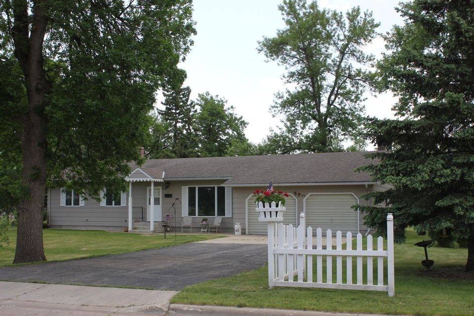 701 Marysland Avenue,Danvers,3 Bedrooms Bedrooms,3 BathroomsBathrooms,Single Family,Marysland Avenue,6030832