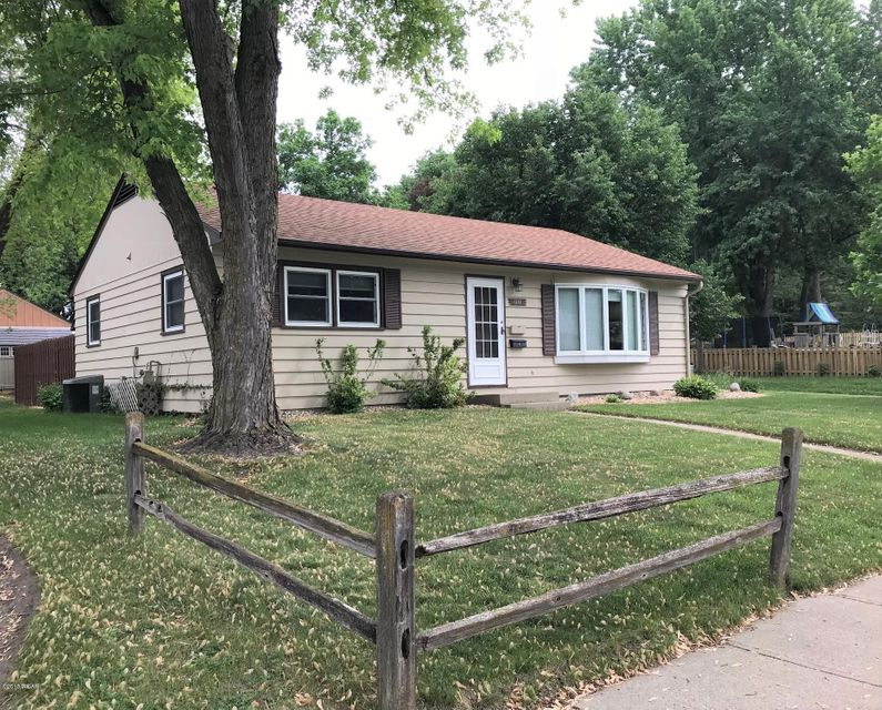1111 Becker Avenue,Willmar,4 Bedrooms Bedrooms,2 BathroomsBathrooms,Single Family,Becker Avenue,6030904