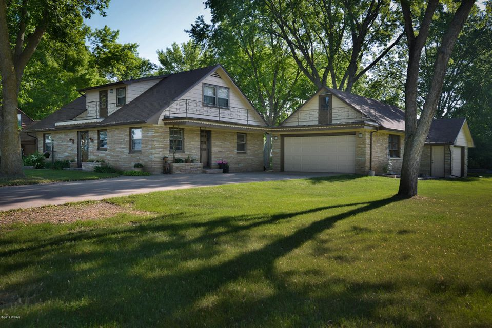 809 Lakeland Drive,Willmar,5 Bedrooms Bedrooms,2 BathroomsBathrooms,Single Family,Lakeland Drive,6030897