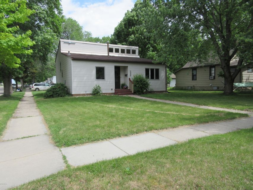 1003 Becker Avenue,Willmar,4 Bedrooms Bedrooms,3 BathroomsBathrooms,Single Family,Becker Avenue,6030911