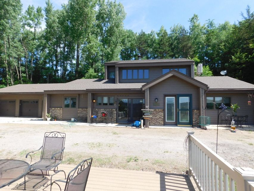 19320 County Rd 15,Sacred Heart,3 Bedrooms Bedrooms,3 BathroomsBathrooms,Single Family,County Rd 15,6030953