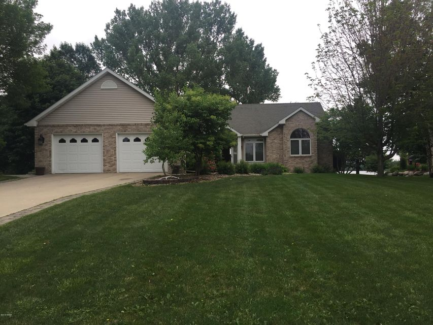 2009 Country Club Drive,Willmar,3 Bedrooms Bedrooms,2 BathroomsBathrooms,Single Family,Country Club Drive,6031033