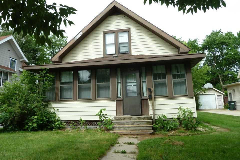 800 4th Street,Willmar,2 Bedrooms Bedrooms,1 BathroomBathrooms,Single Family,4th Street,6031058