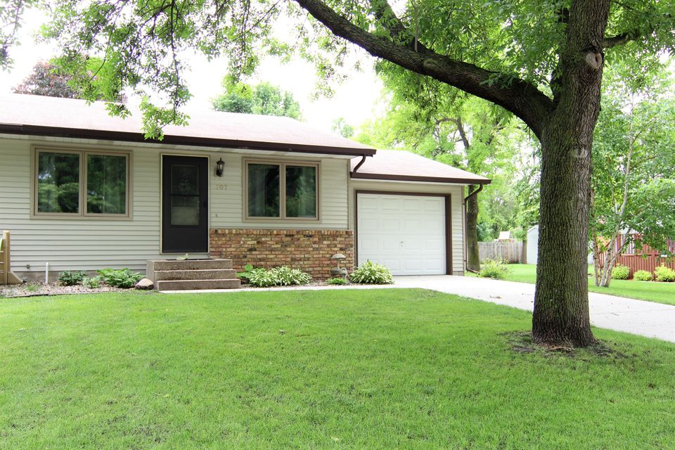 707 26th Avenue,Willmar,2 Bedrooms Bedrooms,1 BathroomBathrooms,Single Family,26th Avenue,6031063