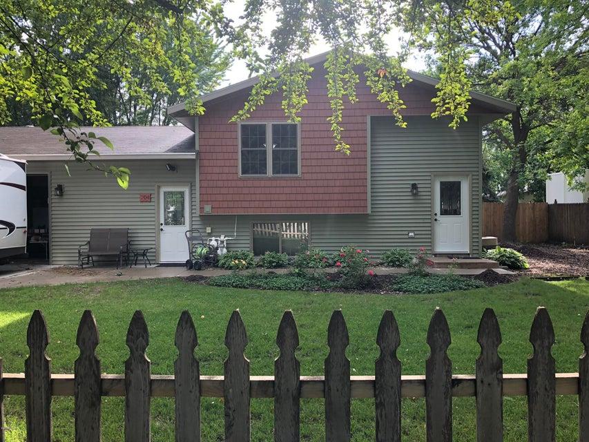 704 17th Street,Willmar,3 Bedrooms Bedrooms,2 BathroomsBathrooms,Single Family,17th Street,6031376