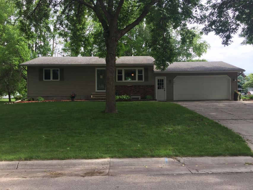 701 26th Avenue,Willmar,3 Bedrooms Bedrooms,2 BathroomsBathrooms,Single Family,26th Avenue,6031121