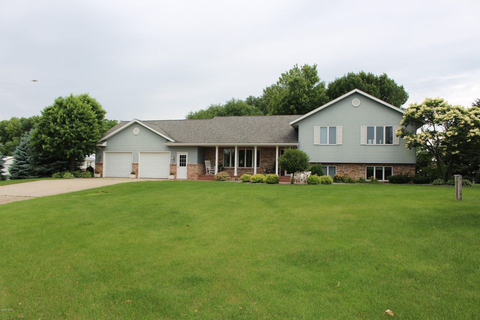 2499 60th Avenue,Willmar,4 Bedrooms Bedrooms,3 BathroomsBathrooms,Single Family,60th Avenue,6031146