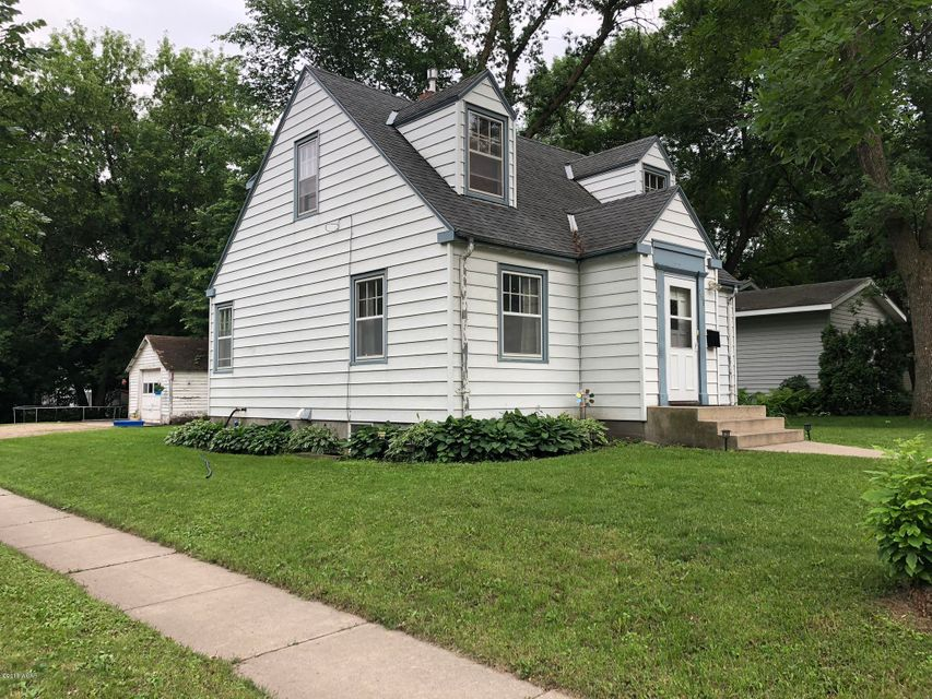 401 Julii Street,Willmar,5 Bedrooms Bedrooms,3 BathroomsBathrooms,Single Family,Julii Street,6031216