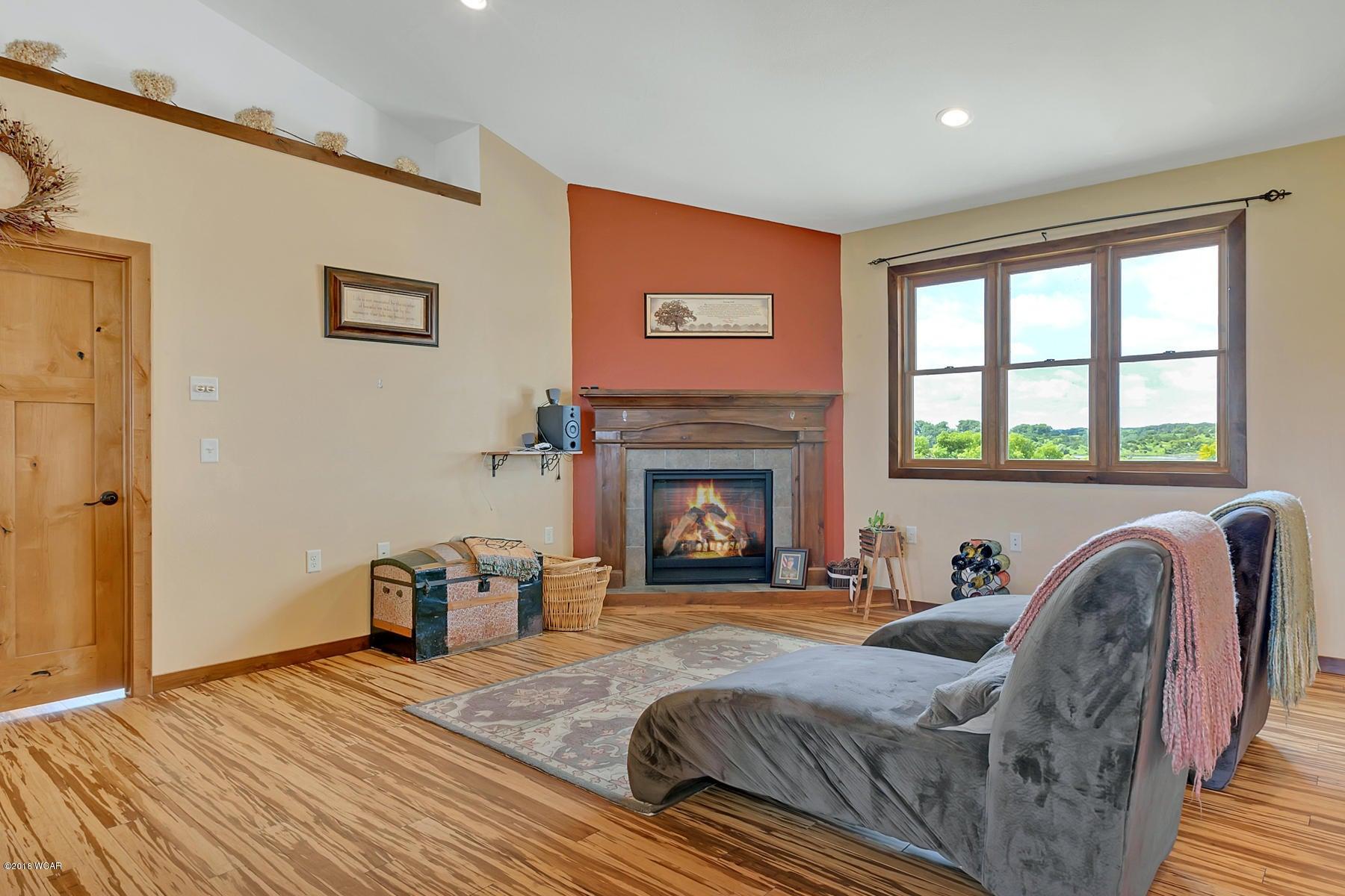 16312 7th Street,New London,4 Bedrooms Bedrooms,3 BathroomsBathrooms,Single Family,7th Street,6031295