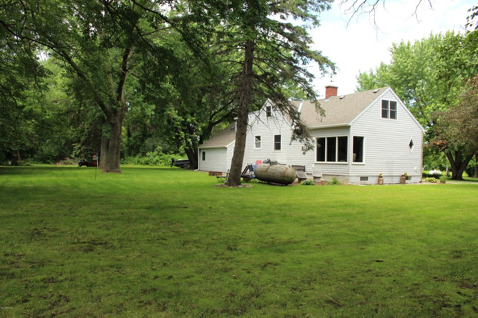 221 W Milkiway Avenue,Lake Lillian,5 Bedrooms Bedrooms,3 BathroomsBathrooms,Single Family,W Milkiway Avenue,6031330