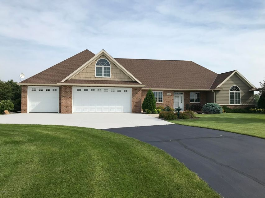 653 W River Drive,New London,3 Bedrooms Bedrooms,2 BathroomsBathrooms,Single Family,W River Drive,6031347