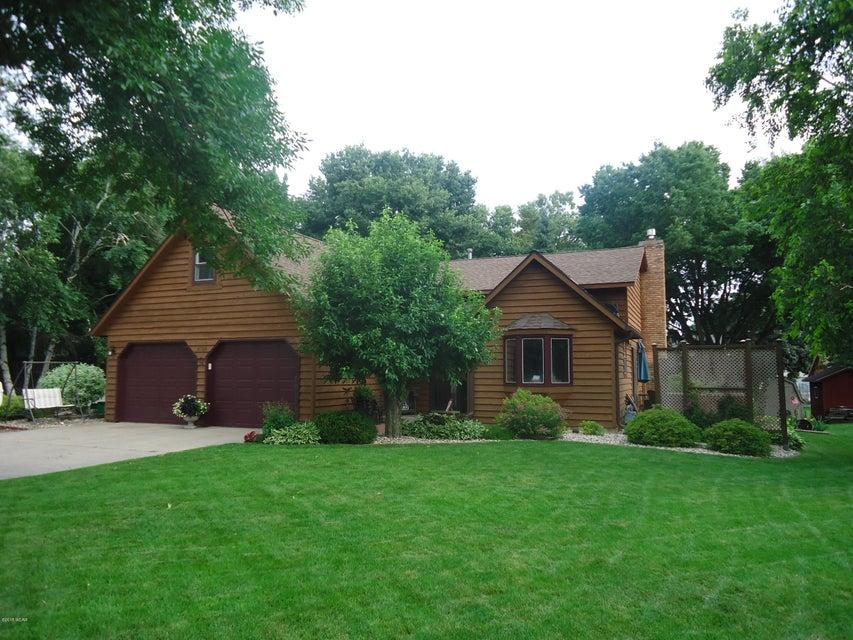 2708 13th Avenue,Willmar,3 Bedrooms Bedrooms,2 BathroomsBathrooms,Single Family,13th Avenue,6031446