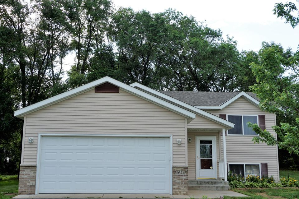 1641 Forest Glen Circle,St. Augusta,4 Bedrooms Bedrooms,2 BathroomsBathrooms,Single Family,Forest Glen Circle,6031449