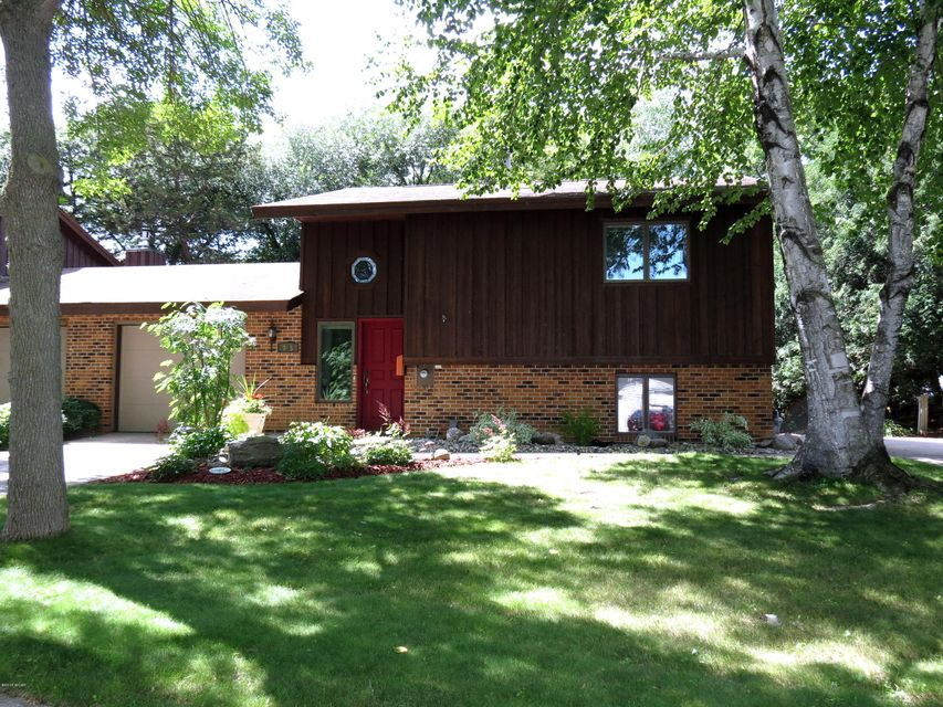 735 11th Street,Willmar,3 Bedrooms Bedrooms,3 BathroomsBathrooms,Single Family,11th Street,6031703