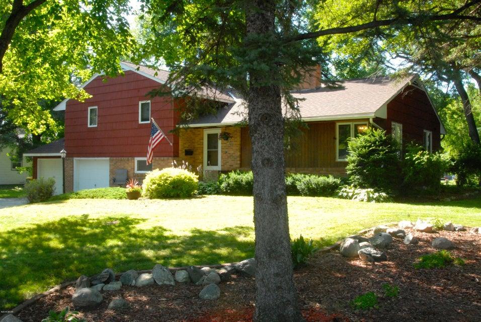 907 Chestnut Avenue,Olivia,3 Bedrooms Bedrooms,2 BathroomsBathrooms,Single Family,Chestnut Avenue,6031720