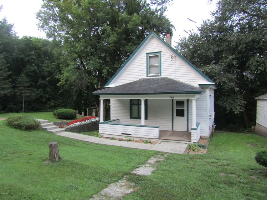 745 State Road,Montevideo,2 Bedrooms Bedrooms,1 BathroomBathrooms,Single Family,State Road,6031915