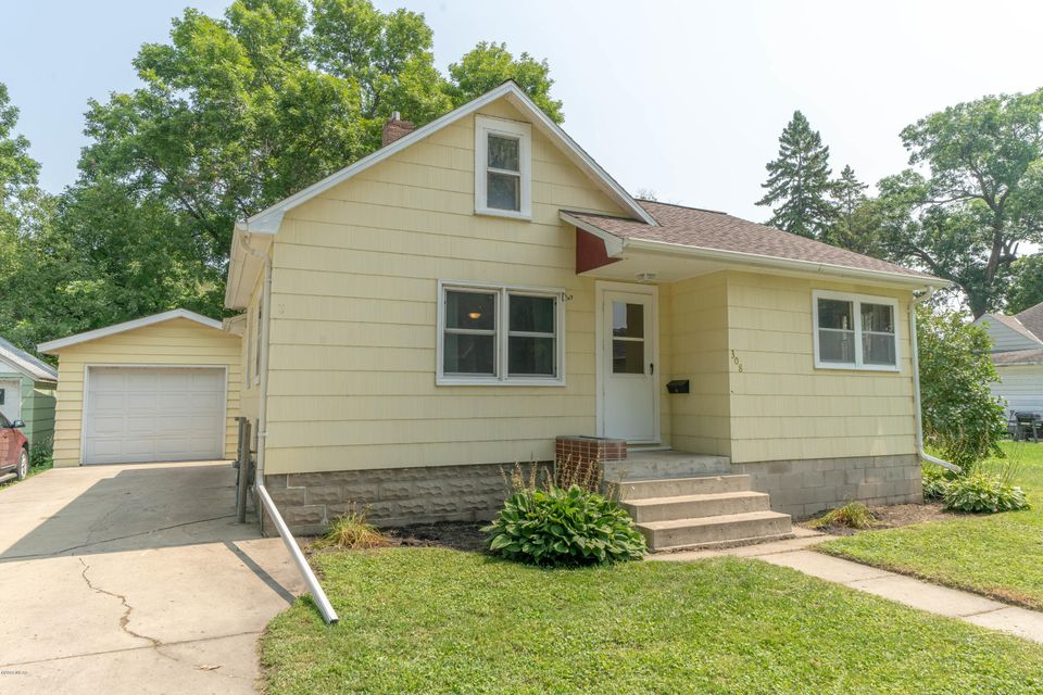 308 11th Street,Willmar,2 Bedrooms Bedrooms,1 BathroomBathrooms,Single Family,11th Street,6031929