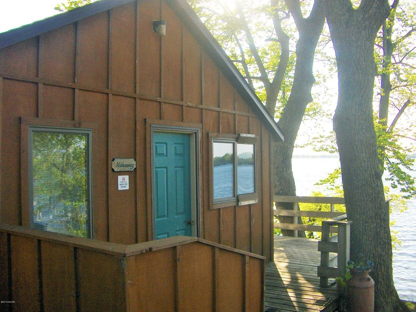 18986 NW Co Rd 5 Unit 7,New London,1 Bedroom Bedrooms,1 BathroomBathrooms,Single Family,NW Co Rd 5 Unit 7,6031614