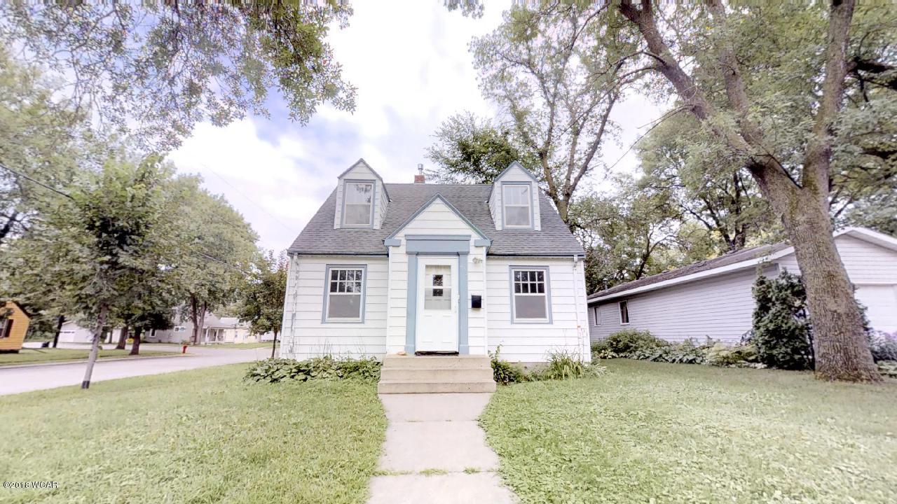 401 Julii Street,Willmar,5 Bedrooms Bedrooms,3 BathroomsBathrooms,Single Family,Julii Street,6031216