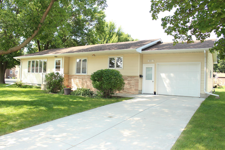 208 Fairview Avenue,Olivia,2 Bedrooms Bedrooms,2 BathroomsBathrooms,Single Family,Fairview Avenue,6032020