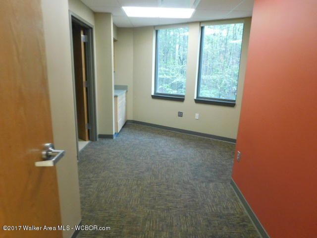 Address not available!,Commercial,17-935