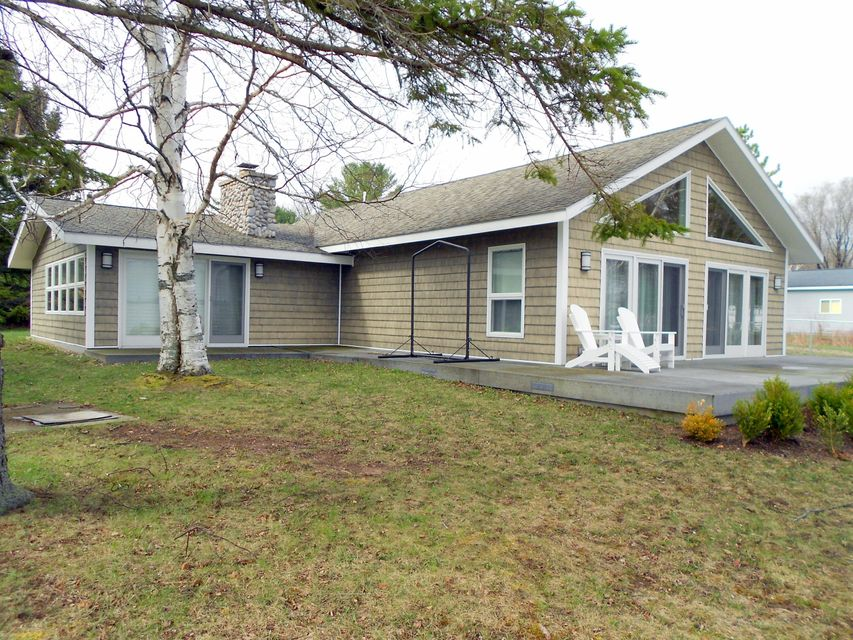781 Parrots Point Drive, Indian River, MI 49749