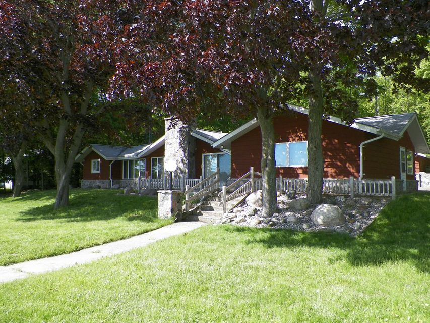 696 S HILL ISLAND Road, Cedarville, MI 49719