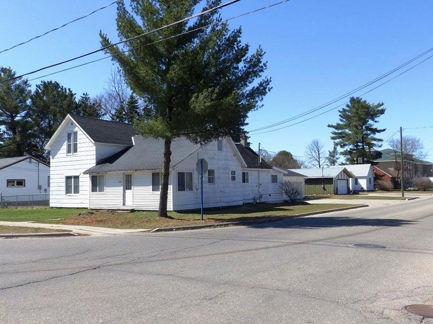 151 N Wisconsin Avenue, Gaylord, MI 49735