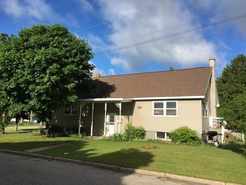 320 S Oak Street, Gaylord, MI 49735