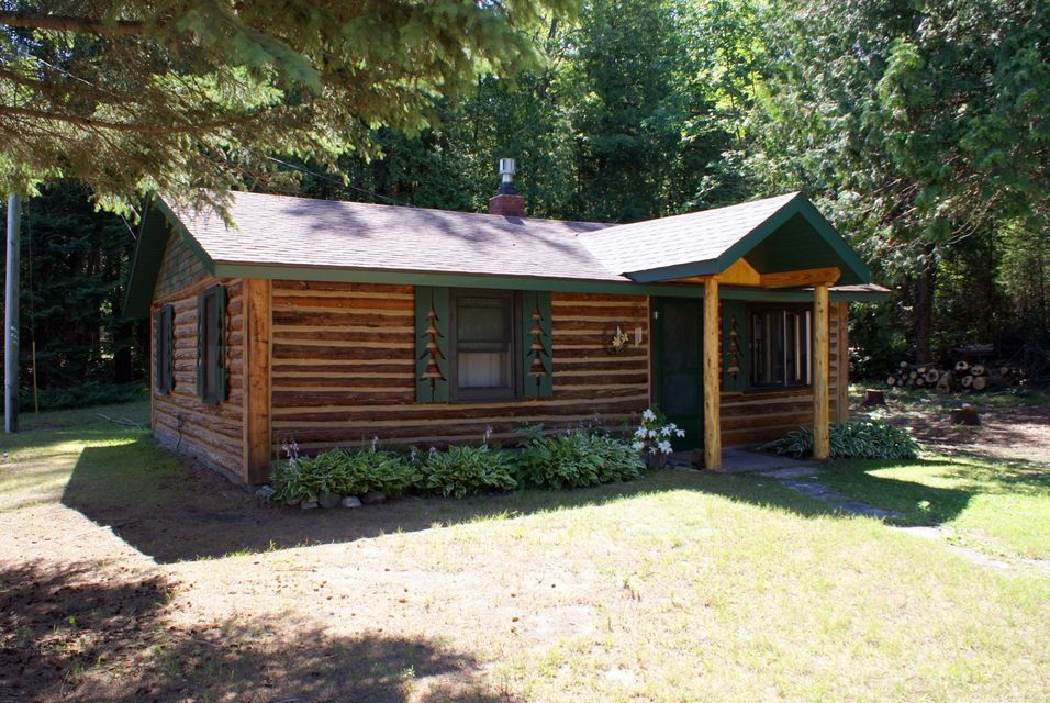 1985 Camp Modoc Road, Indian River, MI 49749