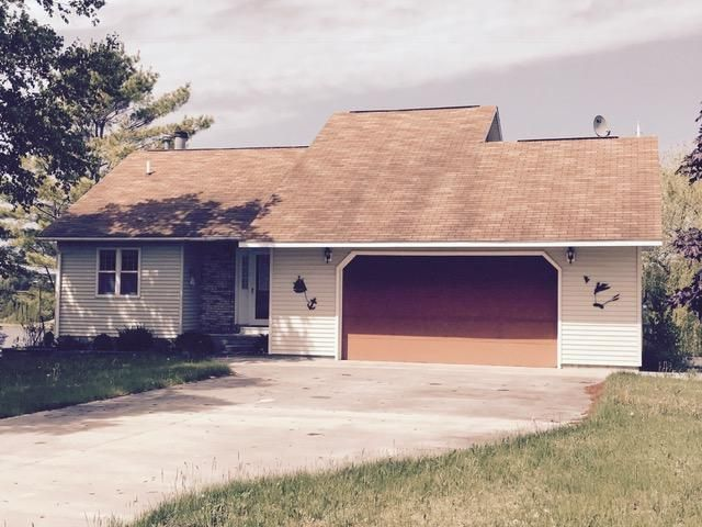 2105 France Lane, Cheboygan, MI 49721