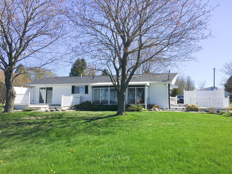 529 Cedar Drive, Indian River, MI 49749