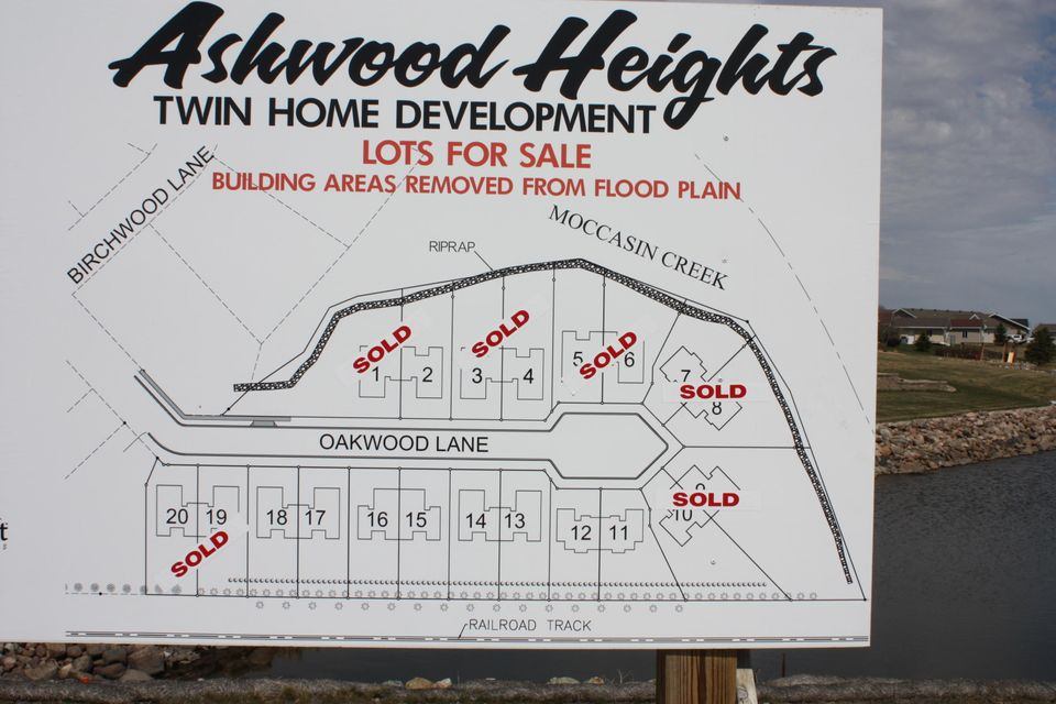 Exclusive twin home site in Ashwood Heights. Call Larry Hanson at 605-380-2676 for all the details.Only 4 sites remain.