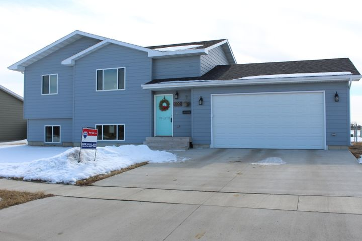 1009 SW 17th Avenue, Aberdeen, SD 57401