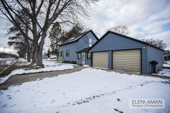 715 NE 9th Avenue, Aberdeen, SD 57401