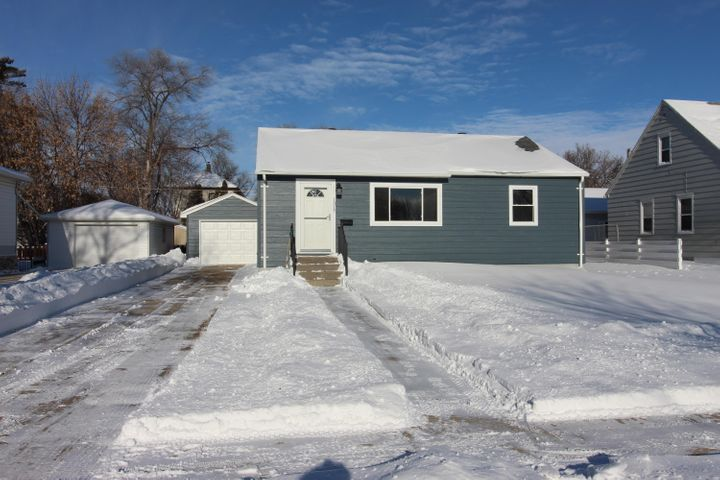 1317 SE 5th Avenue, Aberdeen, SD 57401