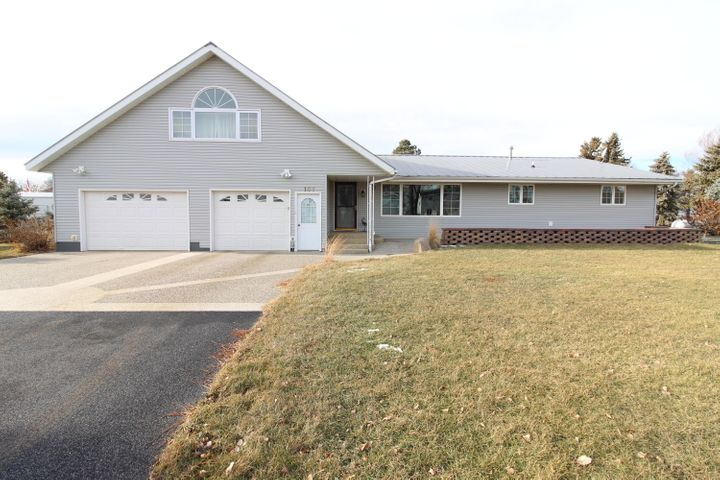 107 1st Street, Bath, SD 57427