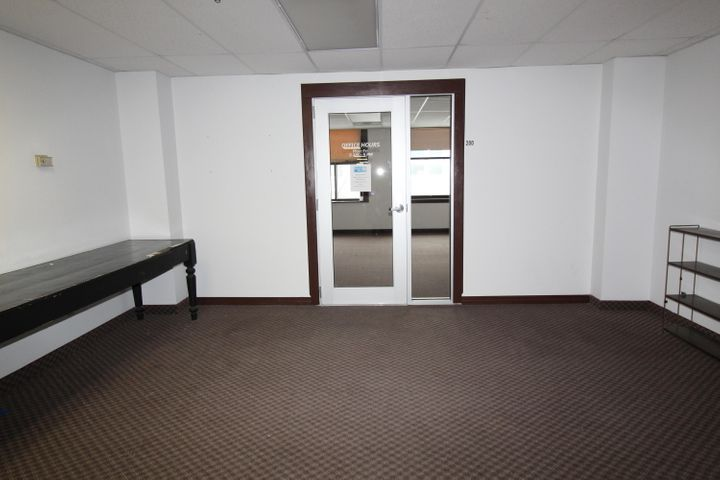 Entrance Citizen Bldg Suite 200