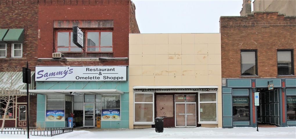 210 S Main St for lease $1/sqft includes utilities and internet