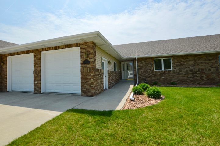 1116 Birchwood Lane, Aberdeen, SD 57401