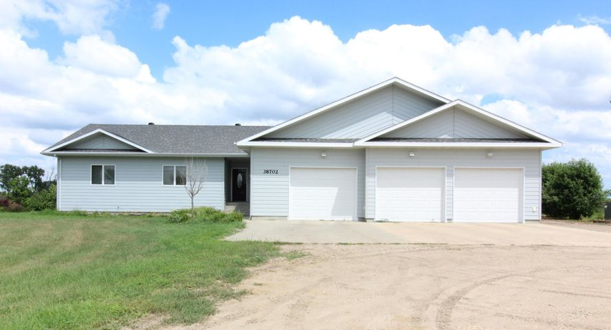 38702 129th Street, Aberdeen, SD 57401