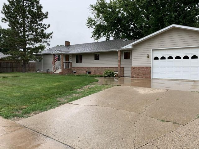 1412 N 2nd Street, Aberdeen, SD 57401