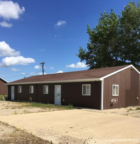 108 East Drive, Aberdeen, SD 57401