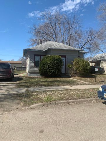 808 S 11th Street, Aberdeen, SD 57401