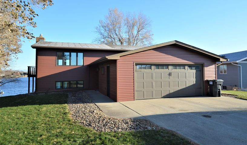379892 South Shore Drive, Aberdeen, SD 57401