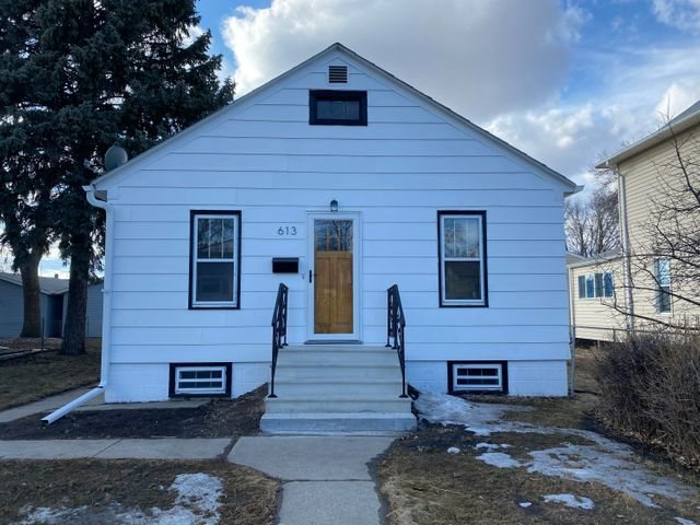 613 N 2nd Street, Aberdeen, SD 57401